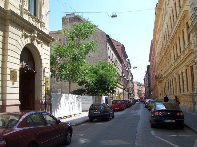 Aparthotel_apartment_hotel_in_Budapest_group_accommodation_parking_site