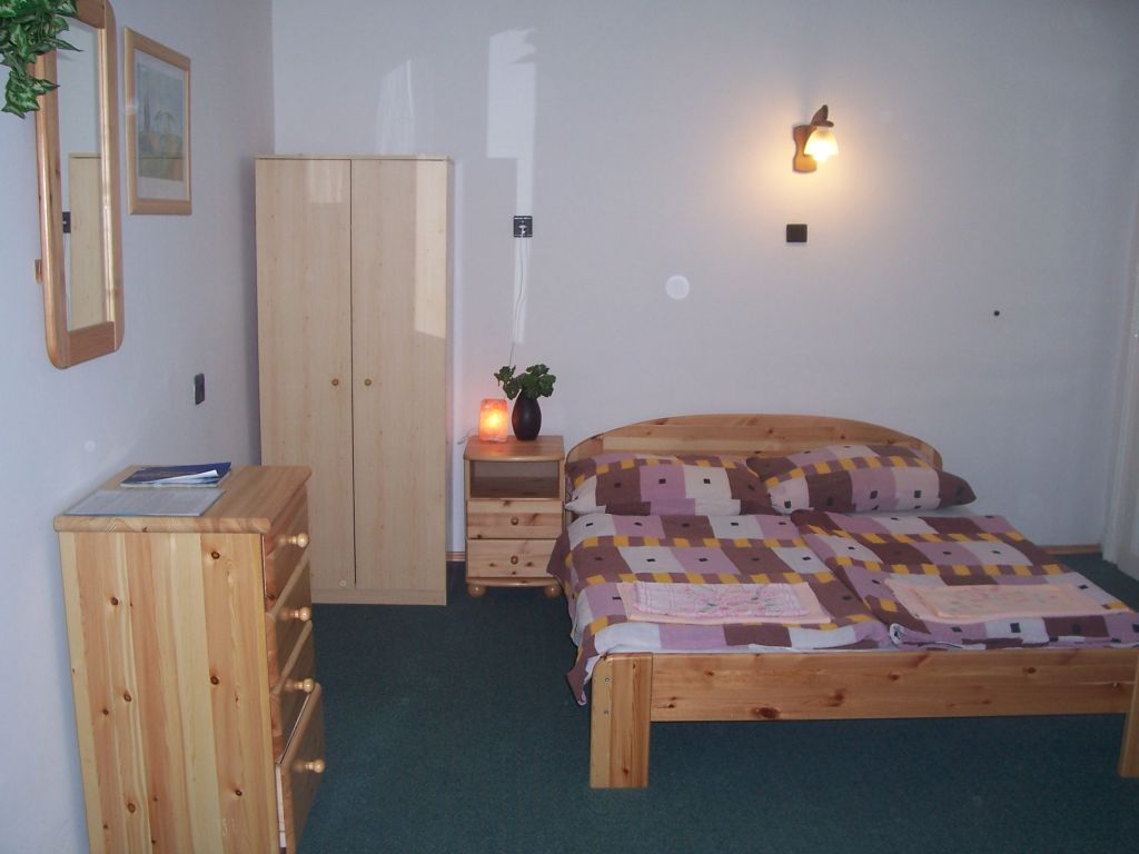 student apartment near Budapest universities to rent