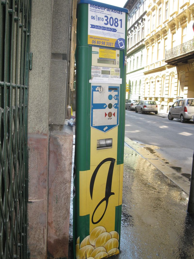 parking_meter_in_Budapest
